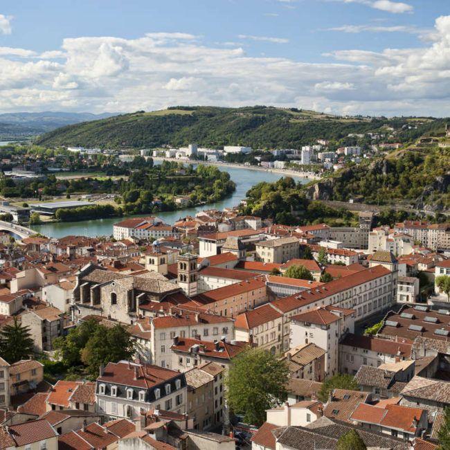 D'Avignon à Lyon à contre courant à bord d'une péniche élégante